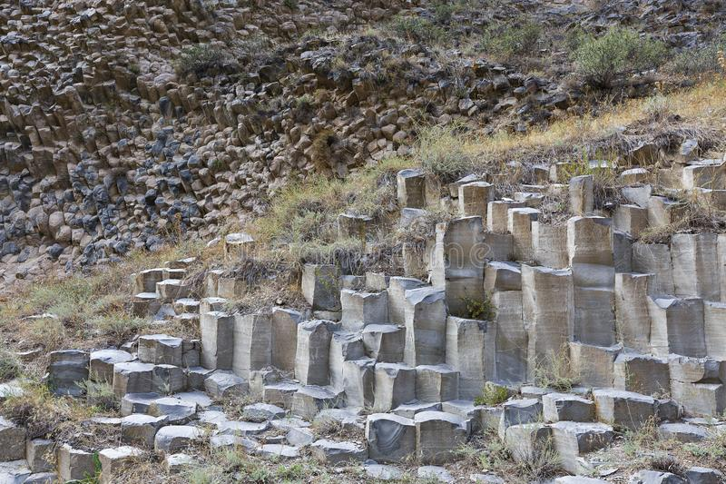 Columnas del basalto conocidas como sinfonía de las piedras, en el valle de Garni, Armenia imagen de archivo libre de regalías