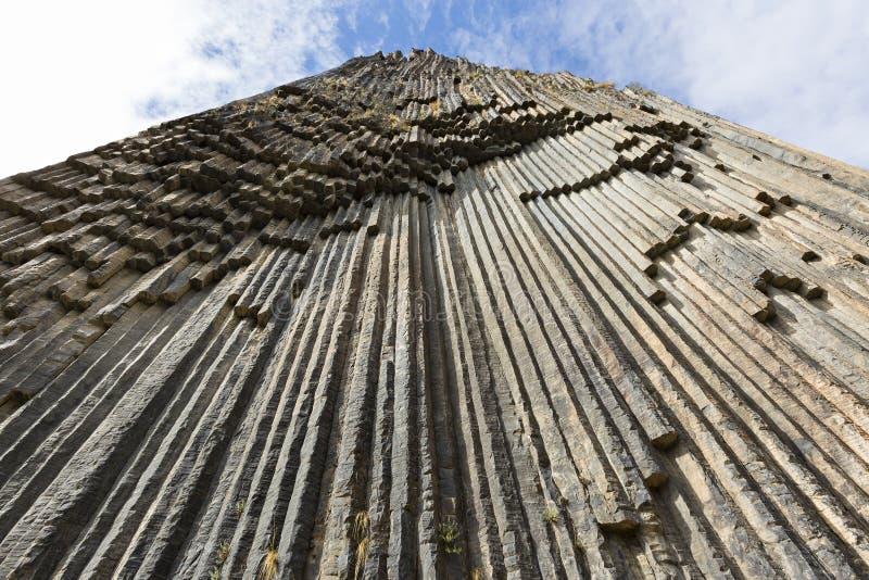 Columnas del basalto conocidas como sinfonía de las piedras, en el valle de Garni, Armenia foto de archivo