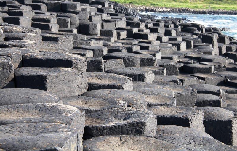 Columnas del basalto del terraplén del gigante fotos de archivo libres de regalías