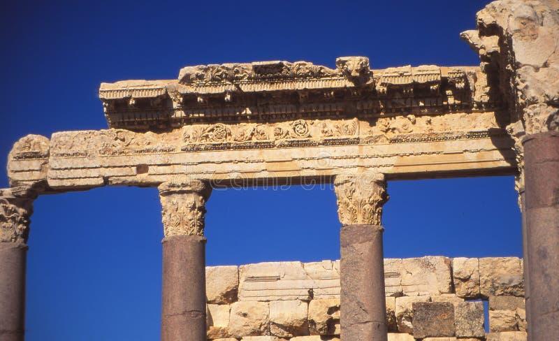 Columnas del Corinthian en Baalbek fotografía de archivo