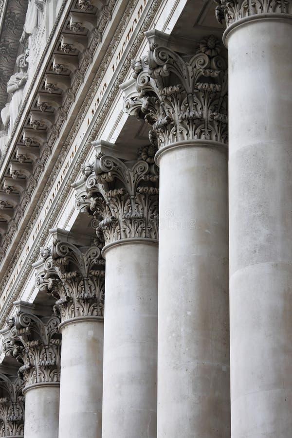Columnas del Corinthian foto de archivo
