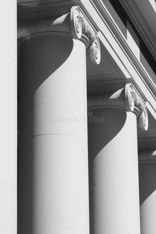 Columnas del edificio foto de archivo