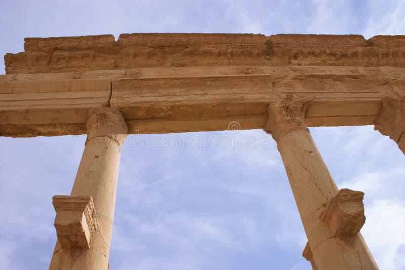 Download Columnas En Palmyra Antiguo Imagen de archivo - Imagen de antiguo, castillo: 7279925