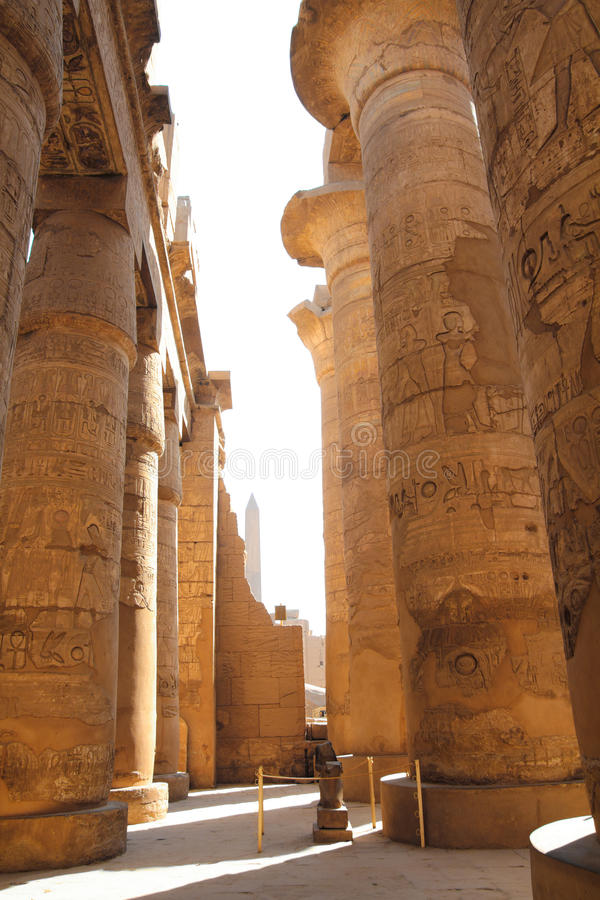 Columnas en templo del karnak imagen de archivo libre de regalías