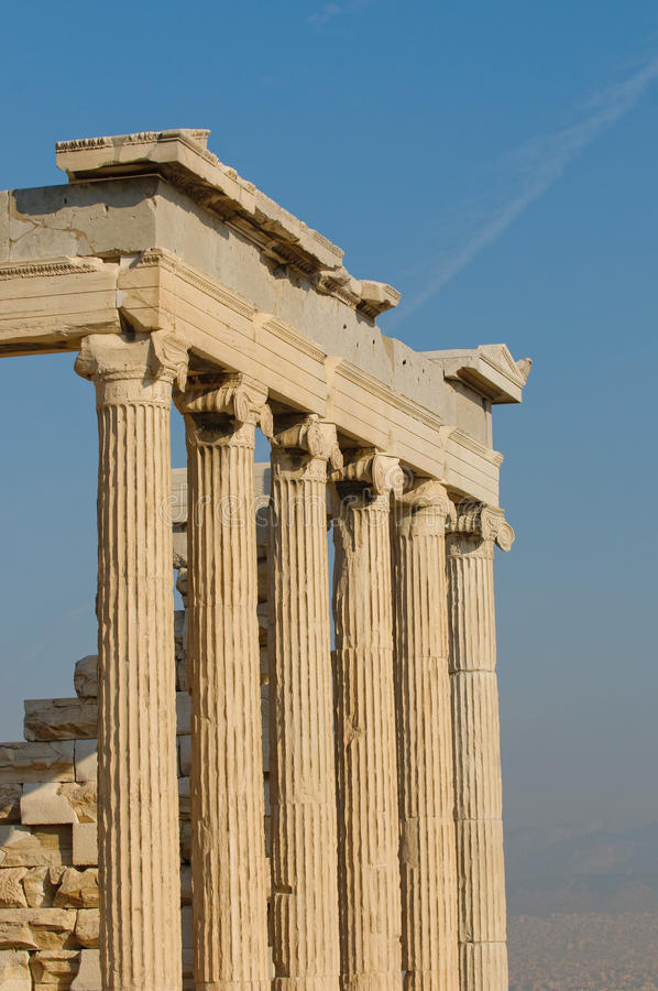 Columnas griegas, acrópolis, Atenas fotos de archivo