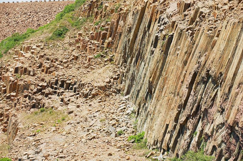 Columnas hexagonales del origen volcánico en Hong Kong Global Geopark en Hong Kong, China fotografía de archivo libre de regalías