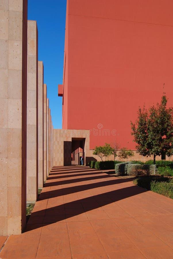 Columnas y sombras fotografía de archivo libre de regalías