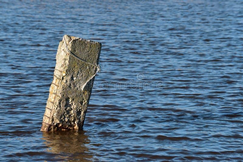 Coluna concreta velha imagens de stock