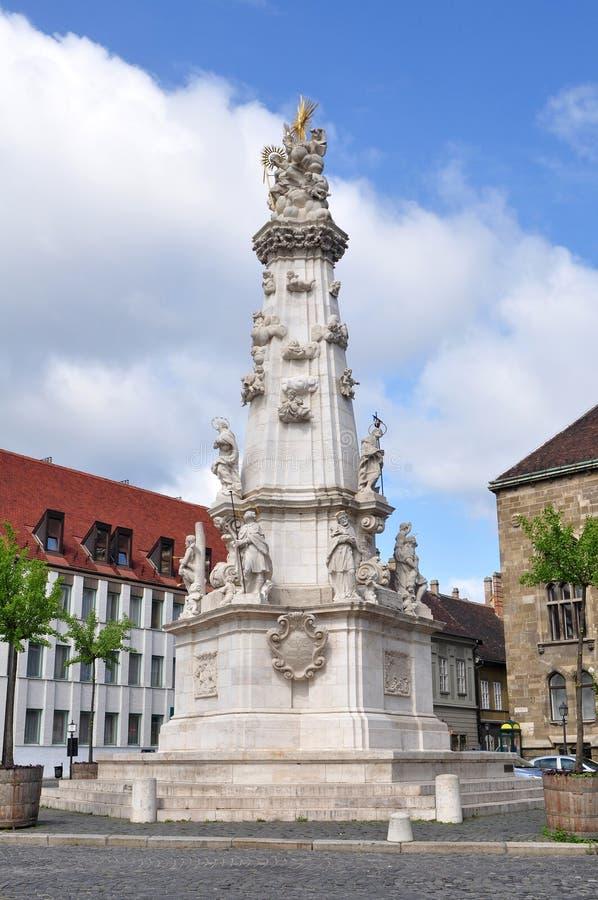Coluna da trindade santamente de Budapest no distrito do castelo fotografia de stock
