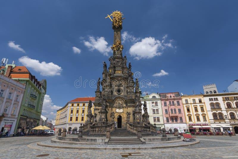 Coluna da trindade santamente no quadrado principal da cidade velha de Olomouc, República Checa imagens de stock