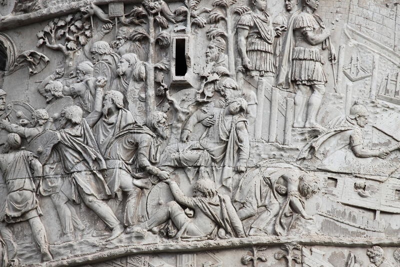 Coluna de Trajan em Roma fotografia de stock