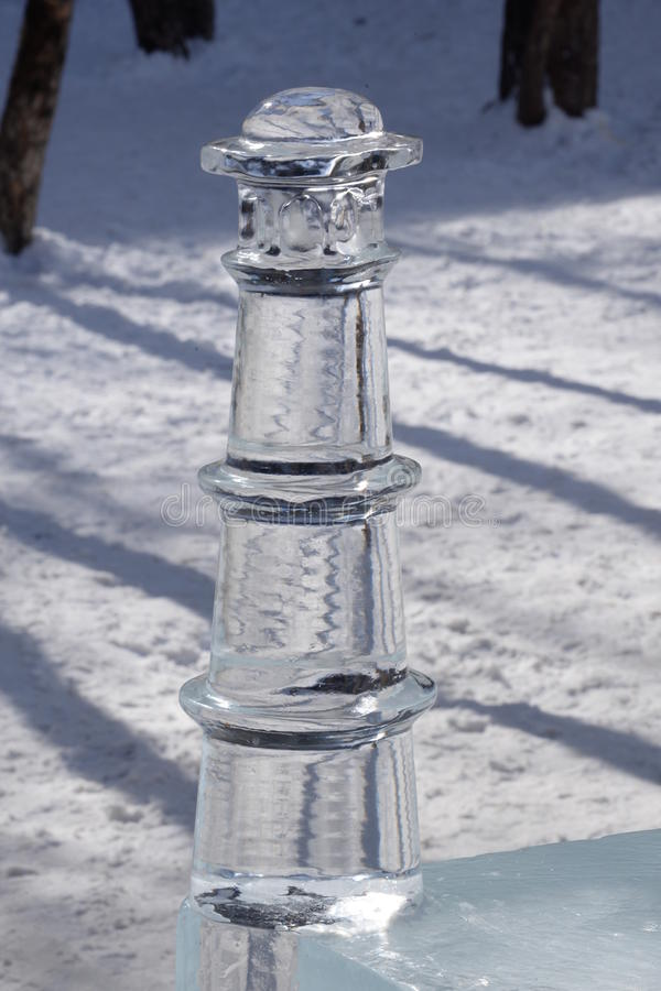Coluna do gelo com luz e sombra fotografia de stock royalty free