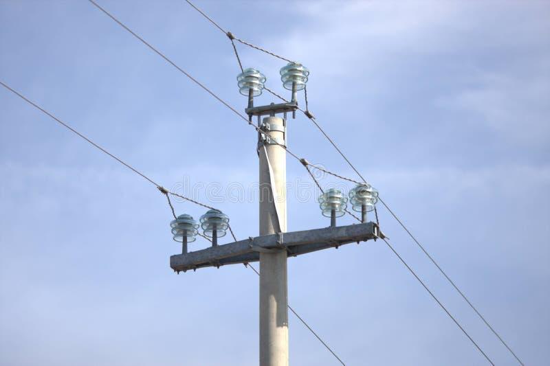 Coluna do tranportation da eletricidade foto de stock royalty free