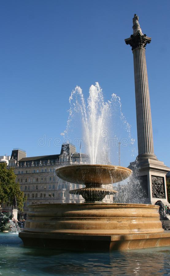 Coluna e fonte de Nelsons imagens de stock royalty free