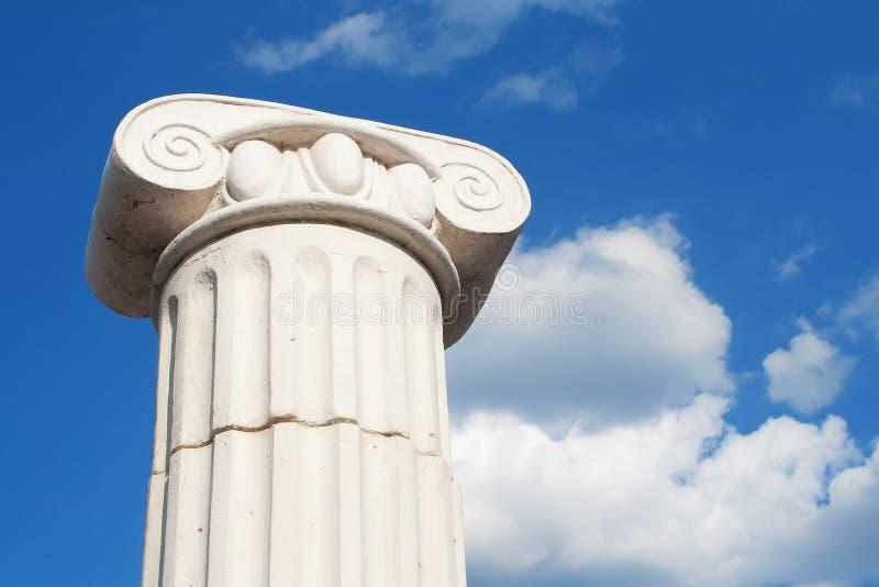 Coluna no céu fotografia de stock