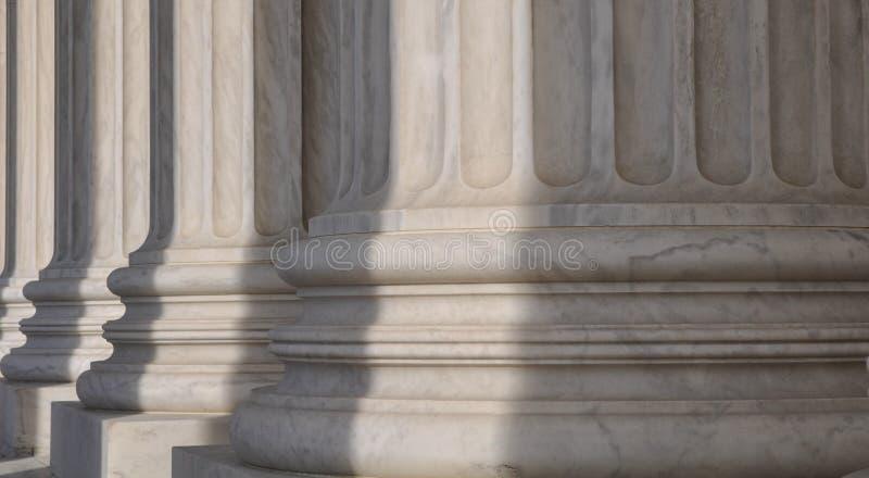 Colunas da corte suprema imagens de stock
