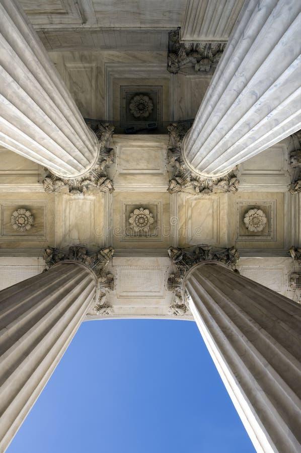 Colunas da corte suprema imagem de stock