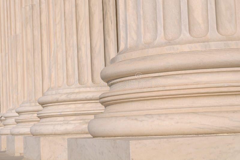 Colunas da lei e da informação foto de stock