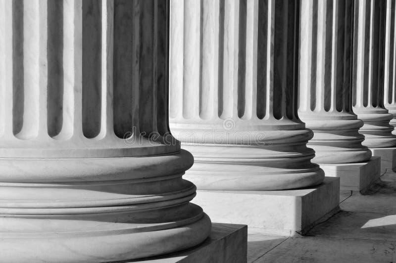 Colunas da lei e do pedido imagens de stock