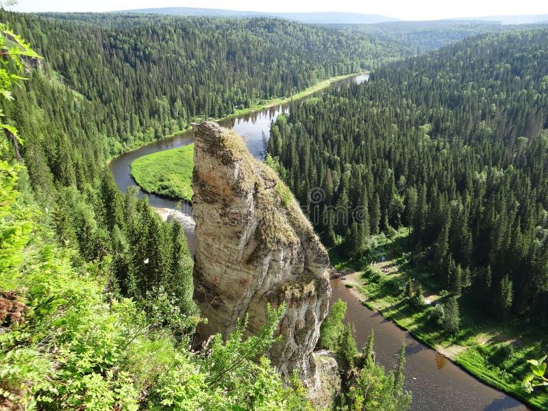 Colunas do caralho de Usvinskie da disposição do dedo Perm Krai Rússia foto de stock