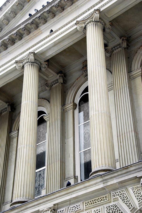 Colunas do tribunal imagem de stock