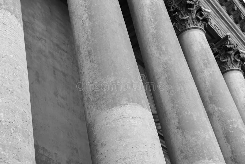 Colunas e colunas de pedra fotografia de stock