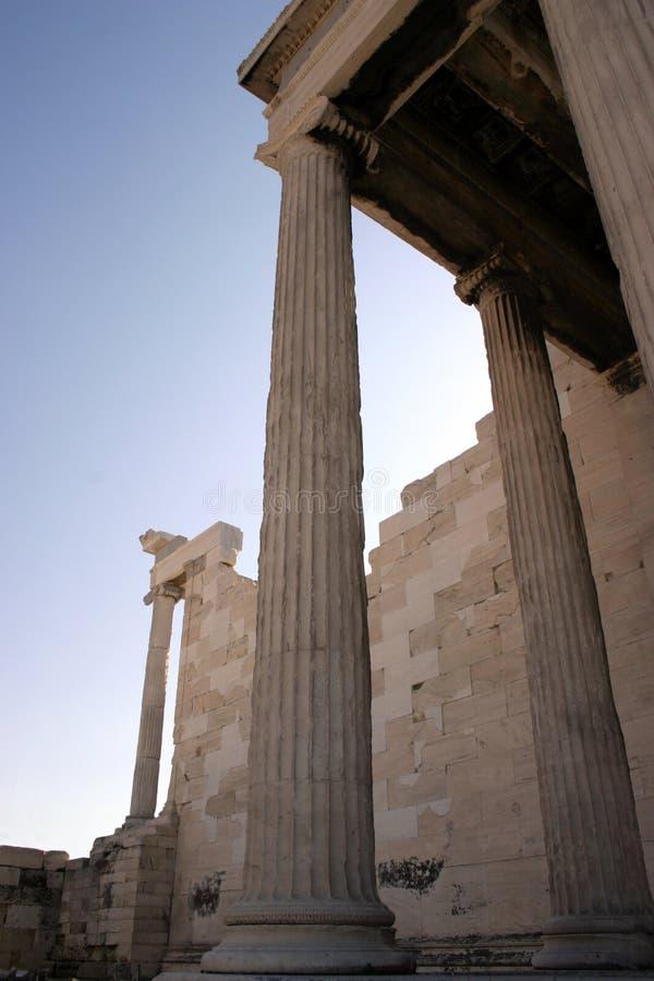 Colunas elevadas imagens de stock royalty free
