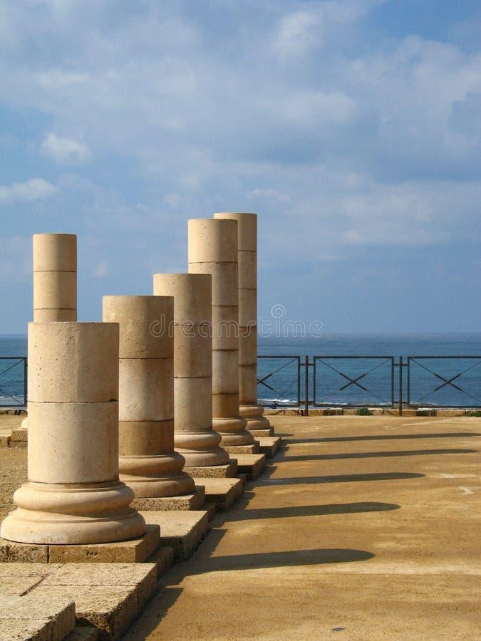 Colunas em Caesarea imagens de stock