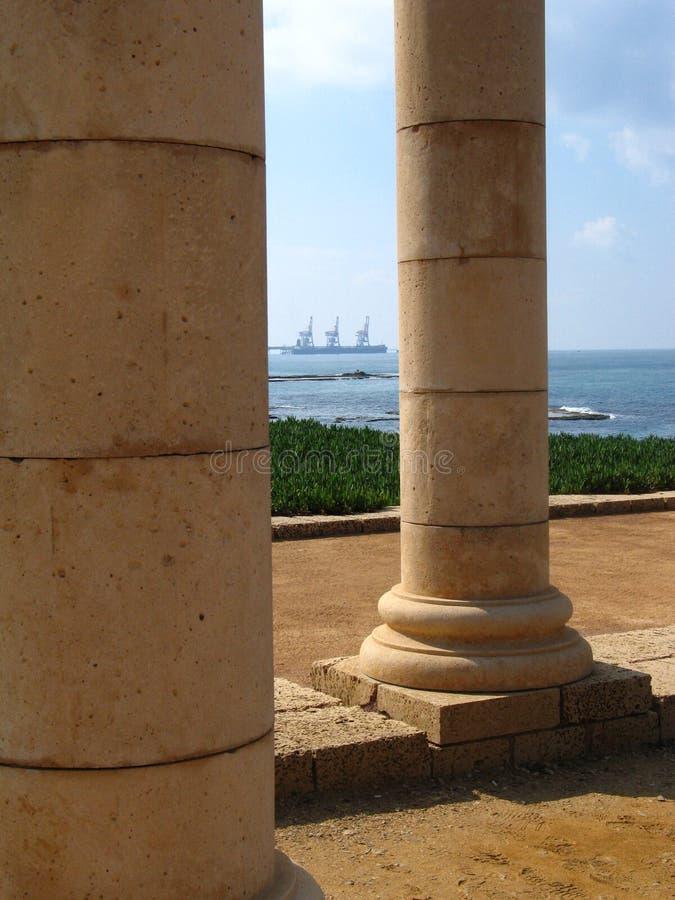 Colunas em Caesarea foto de stock