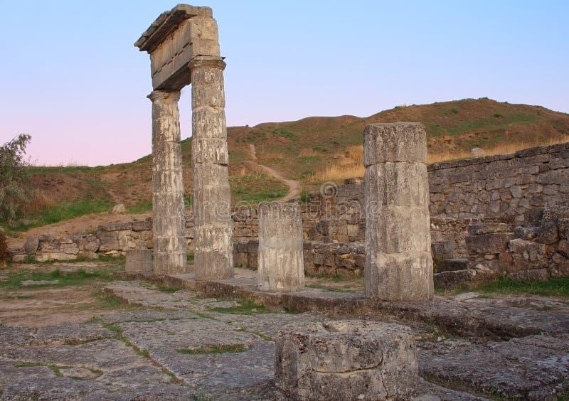 Colunas em Pantikapey antigo. Kerch, Ucrânia fotos de stock