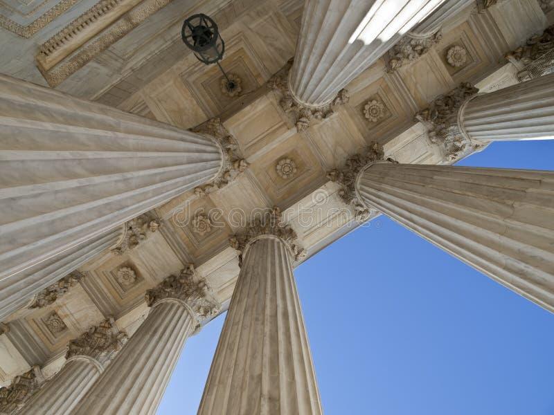 Colunas históricas do edifício da corte suprema dos E.U. imagens de stock royalty free