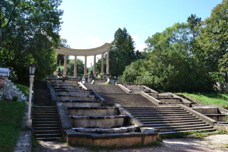 Colunata do parque de Kislovodsk imagens de stock royalty free