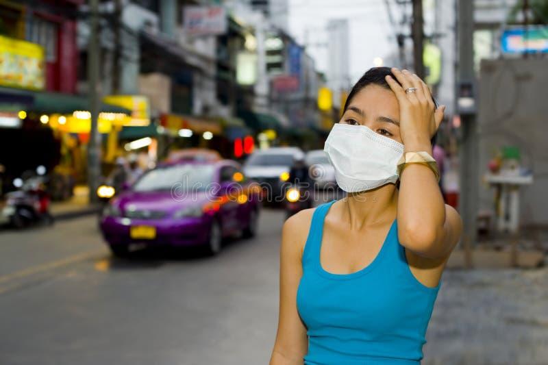 Com máscara protectora em Banguecoque fotos de stock
