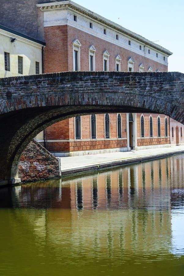 Comacchio - Brug Stock Foto's