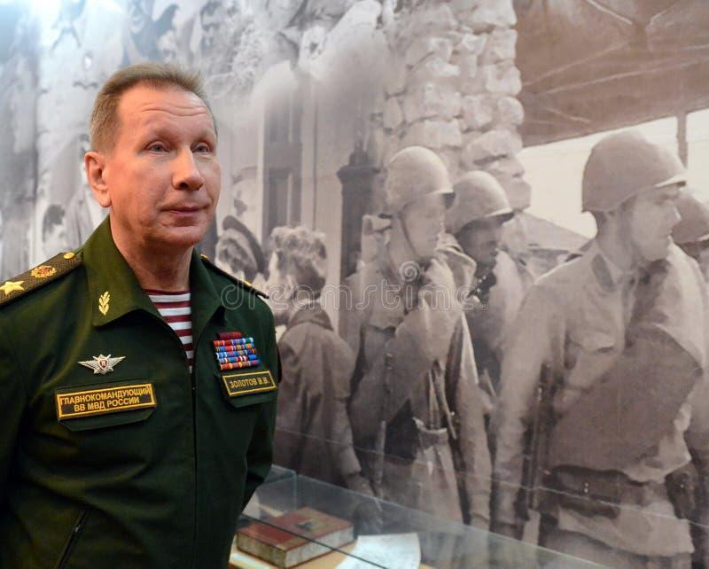 Comandante en jefe de las tropas internas del ministerio de asuntos internos de Rusia, general del ejército Viktor Zolotov imagenes de archivo