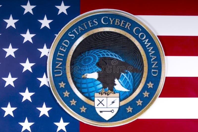 Comando cyber degli Stati Uniti e la bandiera degli Stati Uniti fotografia stock