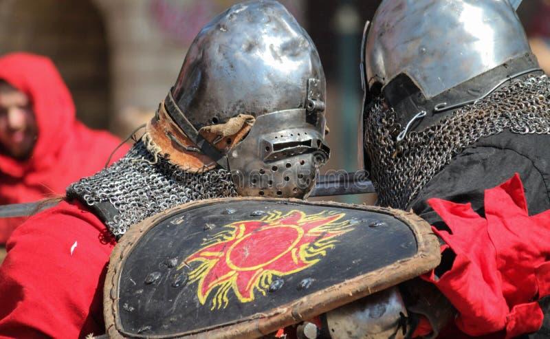 Download Combat Médiéval De Chevaliers Photographie éditorial - Image du bataille, extérieur: 76079967