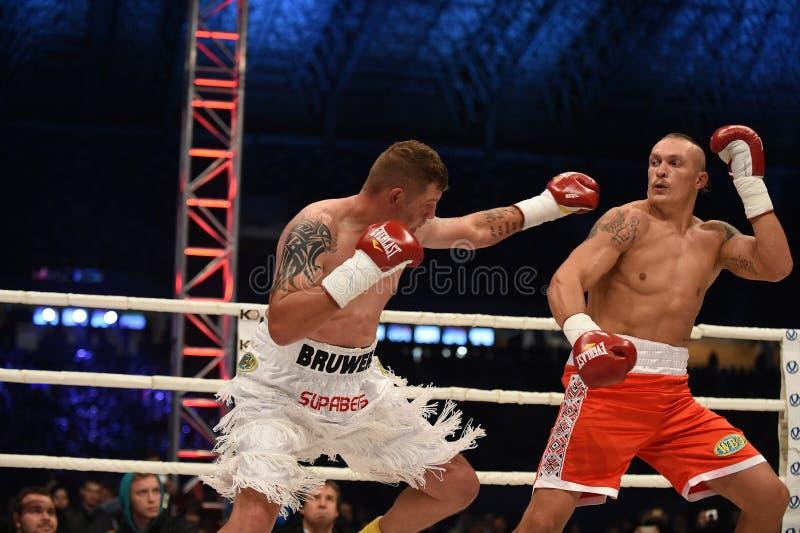 Download Combat Pour La Ceinture De Champions Image éditorial - Image du mains, boxeur: 45359575
