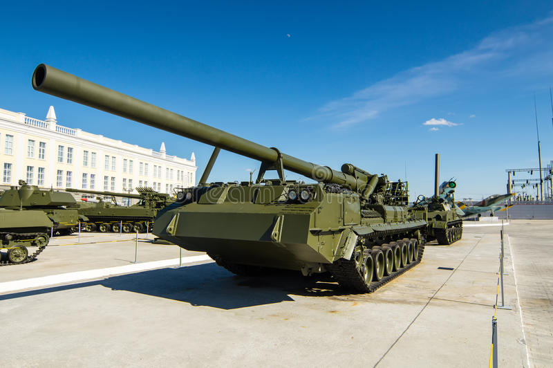 Combata o tanque soviético, uma exibição do museu militar-histórico, Ekaterinburg, Rússia foto de stock royalty free