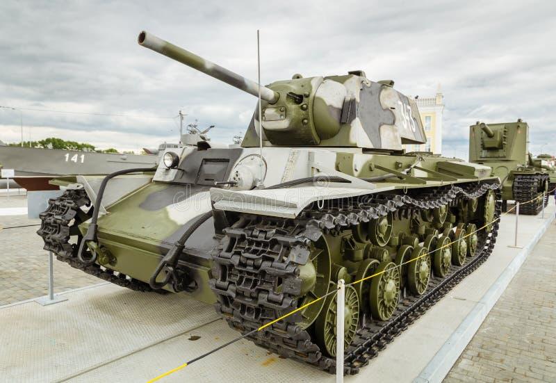 Combata o tanque soviético, uma exibição do museu militar-histórico, Ekaterinburg, Rússia fotos de stock