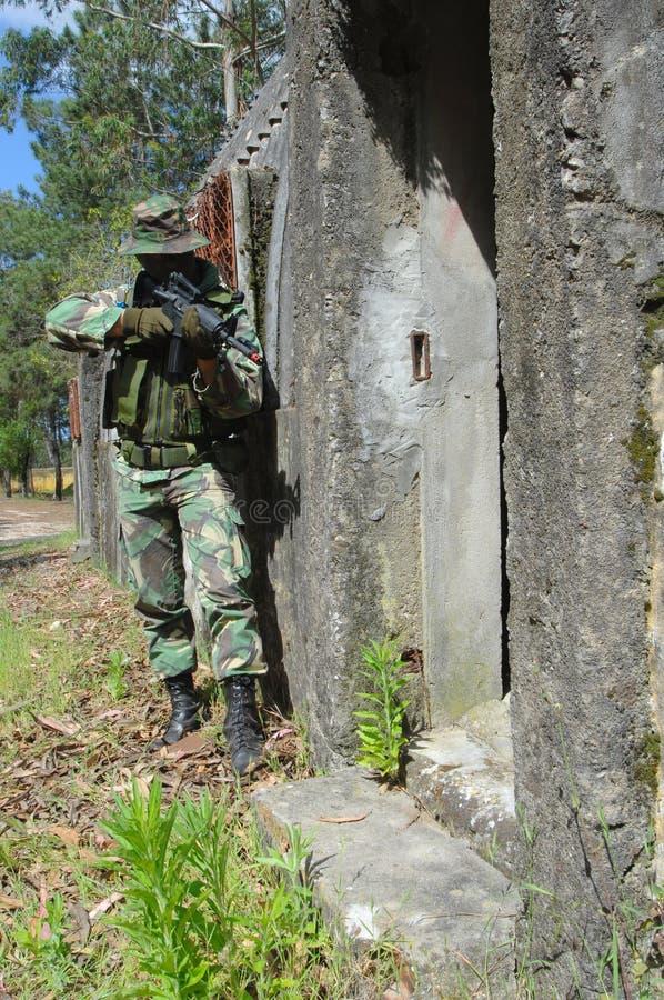 Combate del entrenamiento militar foto de archivo
