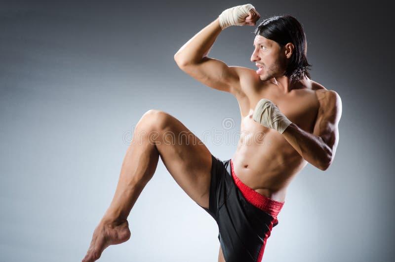 Combatiente de los artes marciales imagenes de archivo