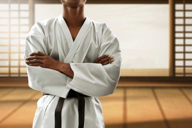 Combatiente de los artes marciales en ir de discotecas foto de archivo libre de regalías
