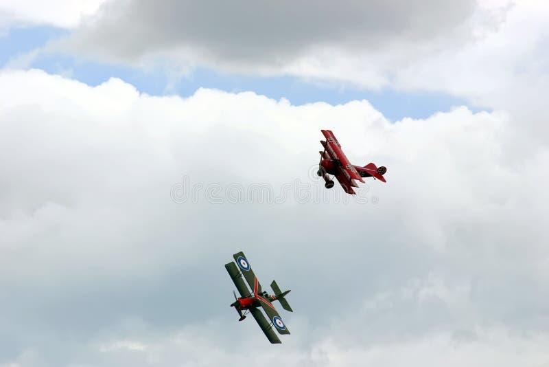 Combattimento aereo - acrobatica aerea fotografie stock libere da diritti