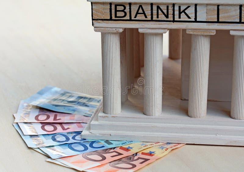Combien de garanties les banques offrent-elles pour l'argent et les actifs ? photos libres de droits