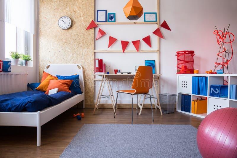 Combinação do quarto e da sala de estudo fotografia de stock royalty free