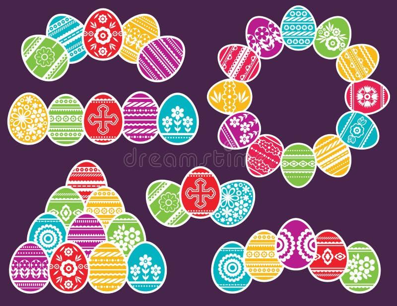 Combinações de ovos da páscoa da cor isolados no fundo roxo Ovos da p?scoa do feriado decorados com flores e folhas c?pia ilustração royalty free