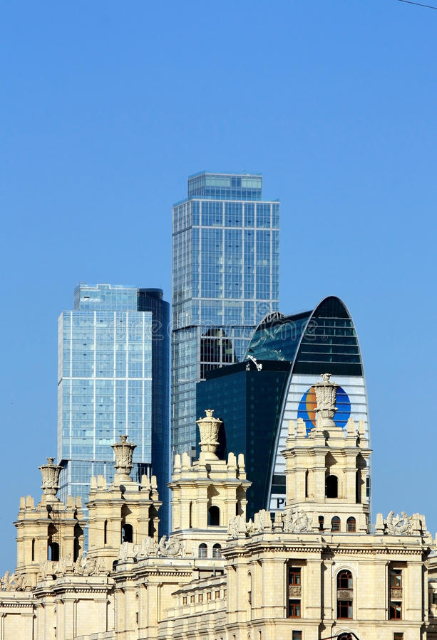 Combinazione di stili architettonici; immagine stock