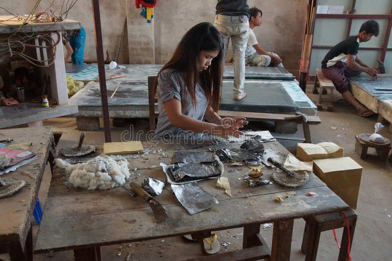 Download Combinazione La Stagnola Del Cavo E Della Carta Del Bambù Fotografia Stock Editoriale - Immagine di pila, fabbrica: 55350608