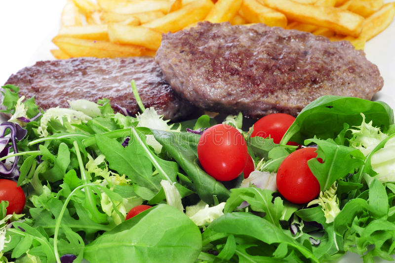 Download Combo Półmisek Z Sałatki, Hamburgeru I Francuza Dłoniakami, Obraz Stock - Obraz złożonej z lunch, dinner: 28958381